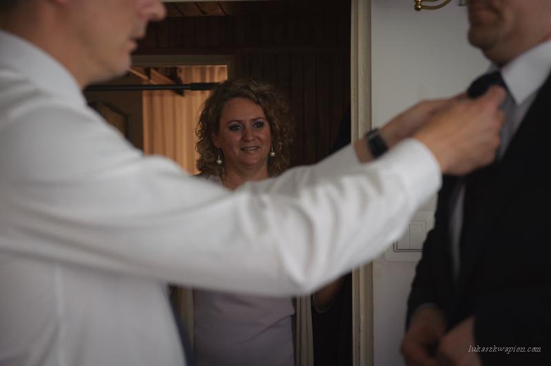 Reportaż ślubny - przygotowania Pana Młodego