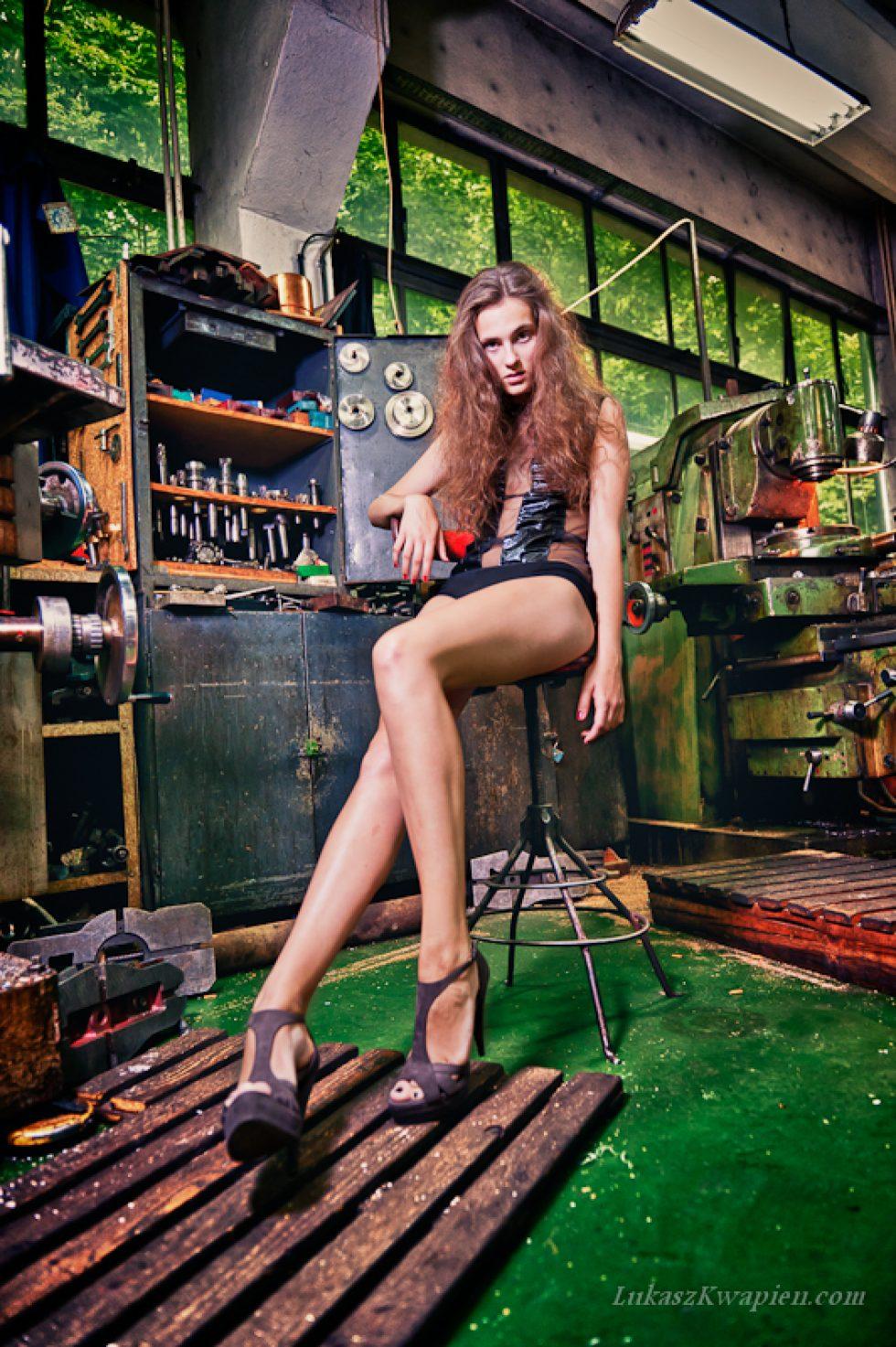 Magda w warsztacie | fotograf Warszawa